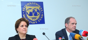 ՀՀ-ում ԱՄՀ մշտական ներկայացուցիչ Տերեսա Դաբան Սանչեսի ու ԱՄՀ հայաստանյան առաքելության ղեկավար Մարկ Հորթոնի մամուլի ասուլիսը
