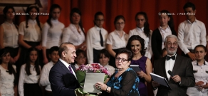 RA Govt.: PM Hovik Abrahamyan awards winners of the republican cometition of petry reading
