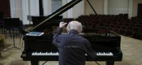Solo concert rehearsal of Russian pianist Alexei Lubimov