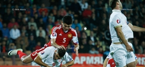 Armenia vs Serbia. Uefa Euro 2016 Qualifying.