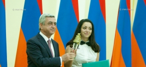 President Serzh Sargsyan awards studenst and pupils with the President's prize in different nomnations of IT sphere