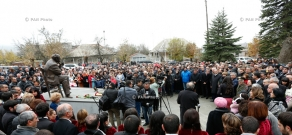 The unveiling of monument to famous Armenian actor, people's Artist Sos Sargsyan in Stepanavan
