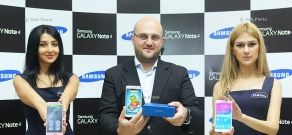 Presentation of Samsung Galaxy Note 4 smartphone