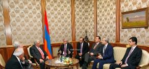 Armenian President Serzh Sargsyan receives 2014 RA President's GIT prizewinner Mario Mazzola