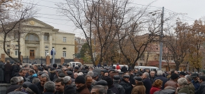 Protest of Nairit plant employees in front of Presidential house