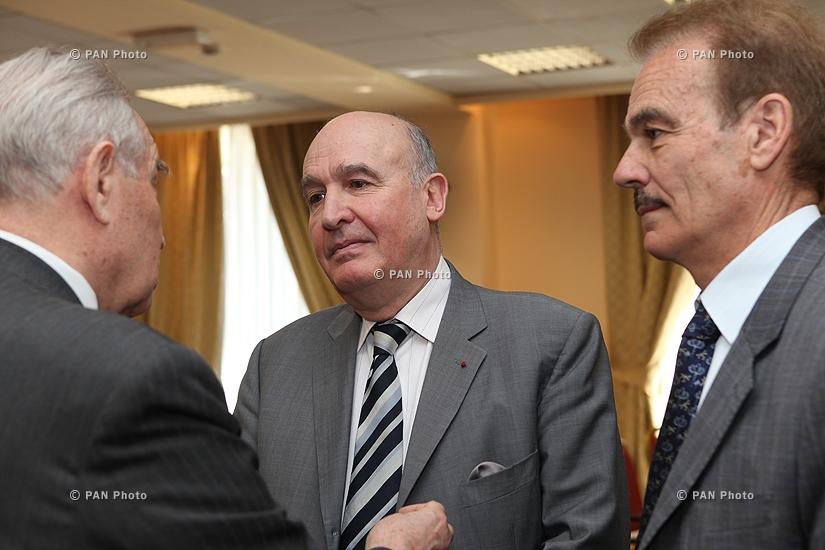 ԵԱՀԿ ՄԽ ֆրանսիացի համանախագահ Բերնար Ֆասիեն խորհրդակցություններ է անցկացրել Հայաստանի ղեկավարության հետ Կովկասի շուրջ ստեղծված իրավիճակի վերաբերյալ