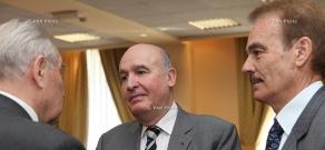 Французский сопредседатель Минской группы ОБСЕ Бернар Фасье провел с руководством Армении консультации по сложившейся на Кавказе ситуации