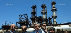 Armenian President Serzh Sargsyan visits Nairit Plant after fire