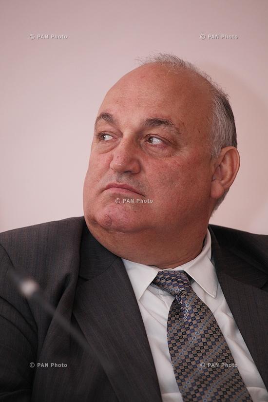 Արամ Սիմոնյան