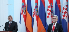 Joint press conference of President of Croatia Stjepan Mesić and Armenian President Serzh Sargsyan