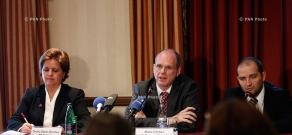 Press conference of IMF Resident Representative in Armenia Teresa Daban Sanchez and IMF Mission Chief for Armenia Mark Horton