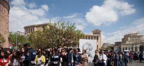 Kim Kardashian and Khloe Kardashian take a walk through sightseeings of Yerevan