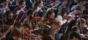Concert rehearsal of World Symphony 24/04 Orchestra