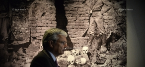Belgian Foreign Minister Didier Reynders visits Armenian Genocide memorial and museum