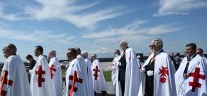 Knights Templar visit Tsitsernakaberd Memorial and sign declaration recognizing Armenian Genocide