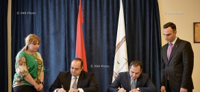 RA Minister of Justice Hovhannes Manukyan and President of RA Chamber of Advocates Ara Zohrabyan sign memorandum of cooperation