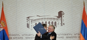 Armenian Minister of Foreign Affairs Edward Nalbandyan and OSCE Chairperson, First Deputy Prime Minister and Minister of Foreign Affairs of Serbia Ivica Dačić sign an agreement on visa liberalization
