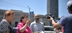 Protest of residents of Yerevan's Komitas Street in front of Yerevan Municipality