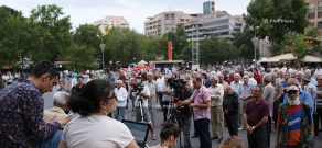 Stand up, Armenia initiative's duscussion on Freedom Square