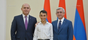 Armenian President Serzh Sargsyan meets with the students- winners in different competitions and international competitions