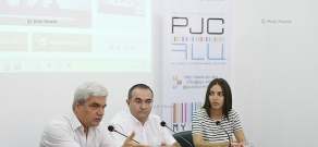 Press conference of president of Analytical Centre on Globalisation and Regional Cooperation Stepan Grigoryan and Heritage party MP Tevan Poghosyan