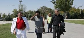 Yerevan Jazz Fest 2015, day 2: Richard Bona visits Tsitsernakaberd memorial