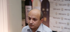 Press conference of Styopa Safaryan, the representative of Barev Yerevan group in Yerevan city council