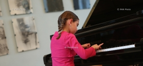 Students of Tchaikovsky Music School played for beneficiaries of the fund