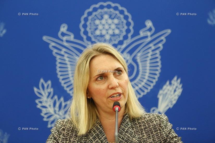 США поддерживают мирное урегулирование нагорно-карабахского конфликта