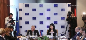 RA Minister of Justice Arpine Hovhannisyan and Head of EU Delegation to Armenia, Ambassador Peter Switalski attend a discussion on Fight against corruption