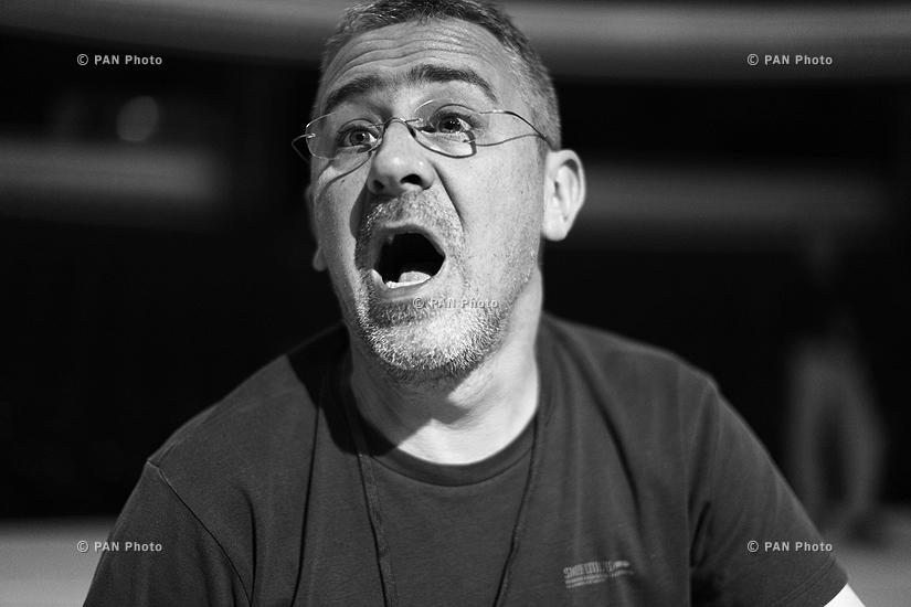 Սերբ ռեժիսոր և երաժիշտ Էմիր Կուստուրիցայի համերգի փորձը