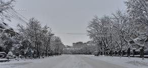 First snowfall of 2016 in Yerevan