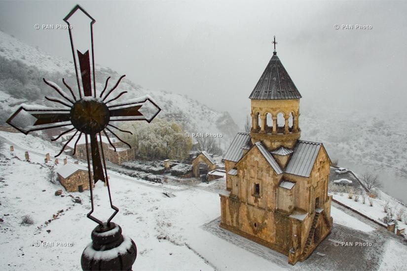 Армянские пейзажи: Монастырский комплекс Нораванк (XIII—XIV века),  Вайоцдзорская область