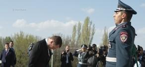 Russia's Prime Minister Dmitry Medvedev visits Armenian genocide memorial Tsitsernakaberd