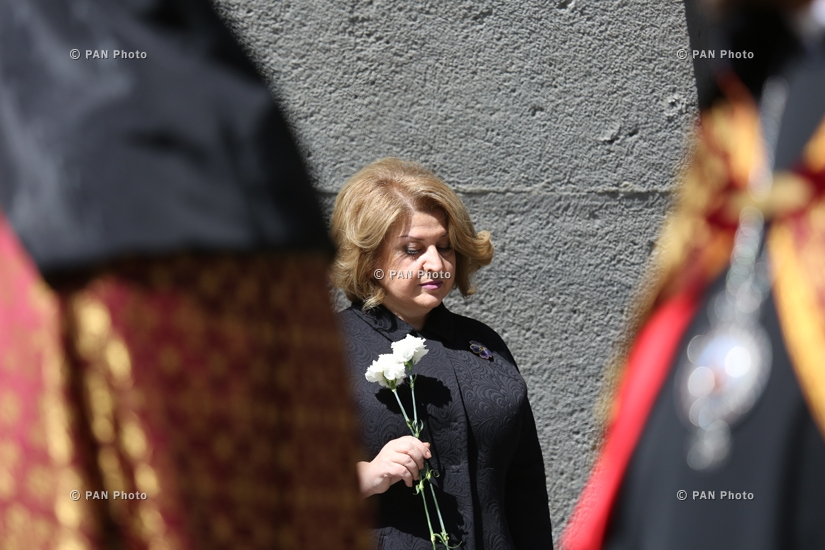 101st anniversary of Armenian Genocide: President Serzh Sargsyan, Catholicos Karekin II, Charles Aznavour and George Clooney pay tribute to the victims