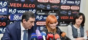 Press conference of Vardan Ayvazyan (RPA) and 'Free Democrats' party vice-president Anush Sedrakyan