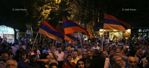 Protest action near Erebuni police HQ in Yerevan in support of armed group holding the department: Day 10