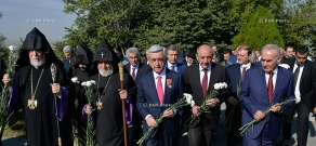Armenia's top officials led by President Serzh Sargsyan visit Yerablur Pantheon