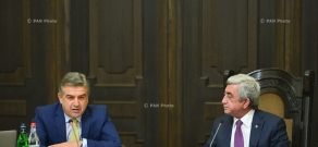 Armenian President Serzh Sargsyan meets with the members of New Government