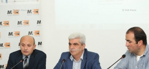 Press conference by President of Armenian Institute for International and Security Affairs Stepan Safaryan and ACGRC Director Stepan Grigoryan