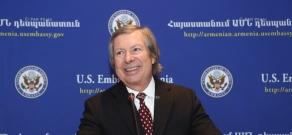 Пресс-конференция американского сопредседателя Минской группы ОБСЕ Джеймса Уорлика