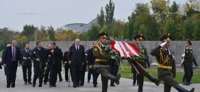 Визит Его Высочества Князя и Великого магистра Фра Метью Фестинга в мемориальный комплекс Цицернакаберд